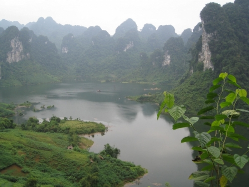 Don't Forget to Reach Na Hang Eco-tourism Site - Tuyen Quang in Vietnam Tourism