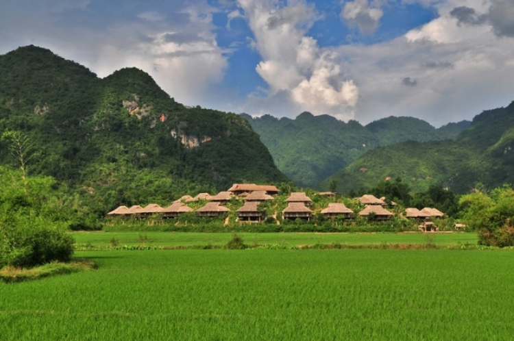 Hoa Binh seeks to boost tourism by 2020