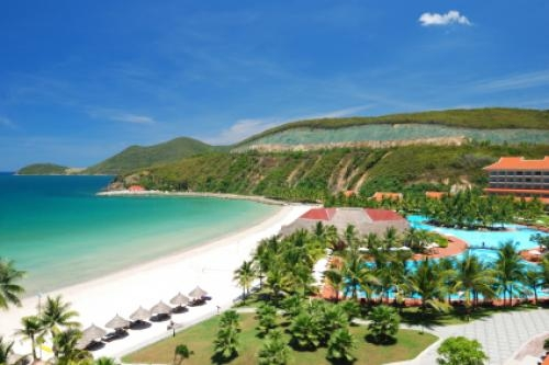 Tra Co Beach - truly paradisaical beach for tourists in Vietnam Tourism