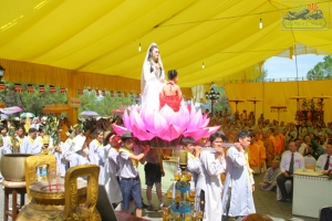 People flock to Thua Thien Hue in Bodhisattva Festival