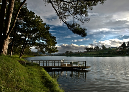Xuan Huong Lake- A Symbol of Romantic City on Central Highlands-Dalat City