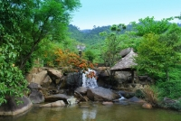 Flower Spring (Suoi Hoa) - an attractive ecotourism site in Vietnam travel